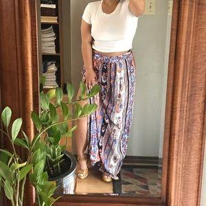 🚨 5/$25 NWOT Paisley Patterned Skirt w/ Side Slit